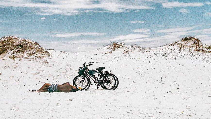 Dat mountainbiken steeds populairder wordt, is geen nieuws. Het grote aantal mountainbikers crosst zich een weg door de natuur. Kan dat geen kwaad?