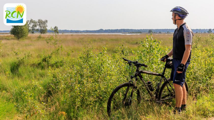Combinatie van mountainbiken, ontspanning en rust